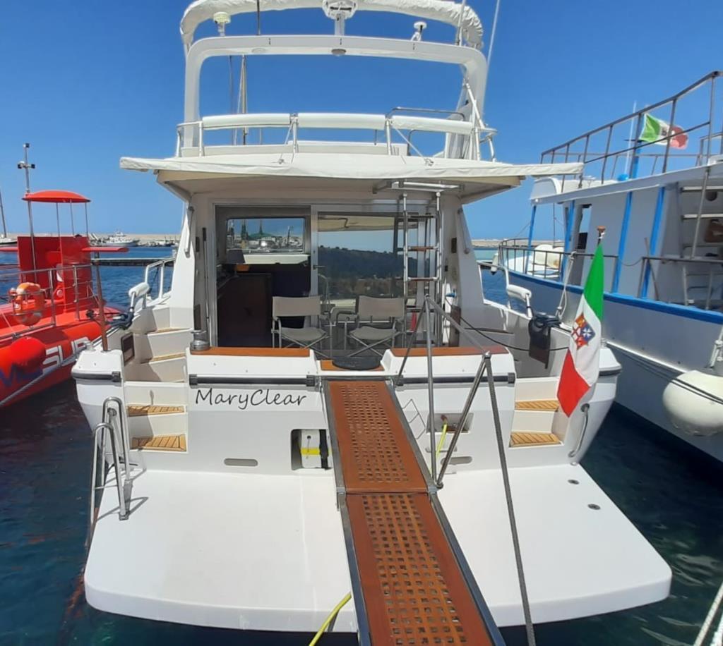 Motor Yacht Mary Clear