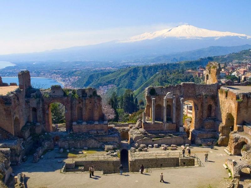 Etna e Taormina da San Vito lo Capo